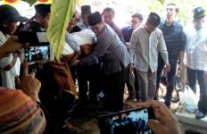 Pejabat Negara Ikuti Pemakaman Ibunda Pramono Anung - JPNN.com