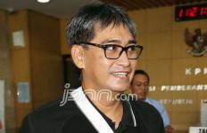 Bawa Koper Kecil, Choel Serahkan Diri ke KPK - JPNN.com