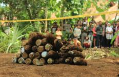 35 Mortir Ditemukan di Tasik, Tulisannya: Tarik Dulu Sebelum Digunakan - JPNN.com