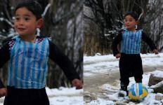 Messi Bakal Temui Bocah Afghanistan yang Curi Perhatiannya - JPNN.com