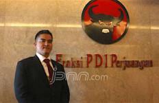 Pak Jokowi, Please Turunkan Harga BBM Lagi - JPNN.com