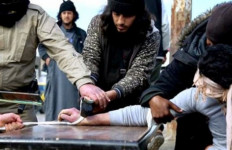 Sadis! ISIS Potong Tangan Kanan Tiga Remaja - JPNN.com