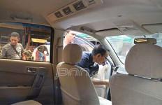 Lagi Ibadah di Vihara, Kaca Mobil Dipecah - JPNN.com