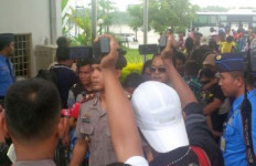 Begini Dinsos Riau Ladeni 50 Orang Eks Gafatar Setibanya di Pekanbaru - JPNN.com