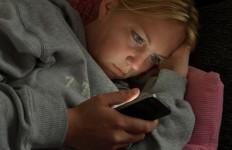 Tujuh Penyebab Orang Depresi, Buang Waktu di Medsos - JPNN.com