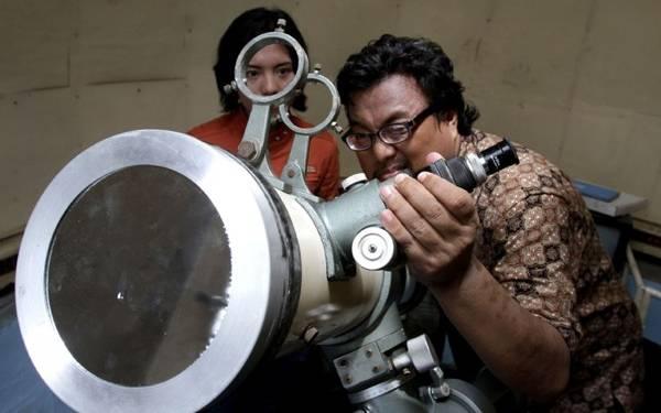 Beginilah Kesibukan Para Pemburu Gerhana Matahari - JPNN.com