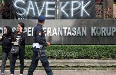 Ditahan KPK, Anak Buah Jonan Pilih Bungkam - JPNN.com