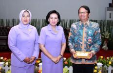 SIMAK Ajakan Ketua Umum Dharma Pertiwi - JPNN.com