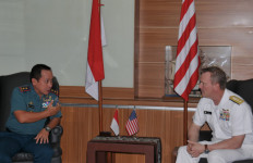 Ada Apa ya? Panglima Komando Lintas Laut Militer AS Kunjungi Kolinlamil - JPNN.com