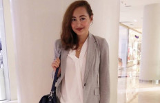 Suaminya tak Hadir Sidang Cerai, Dewi Rezer Gagal Lakukan ini - JPNN.com