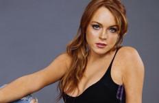 Tertangkap Bawa Salinan Alquran, Lindsay Lohan Pindah Keyakinan? - JPNN.com