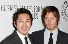 Pemeran The Walking Dead, Hentikan Mobilnya Bantu Korban Kecelakaan - JPNN.com