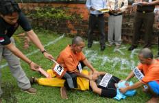 Honorer Dipukul, Pingsan, Diperkosa 3 Pria Lalu Dibunuh - JPNN.com