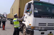 Polisi Hentikan Truk Berisi Ganja 1,6 Ton - JPNN.com