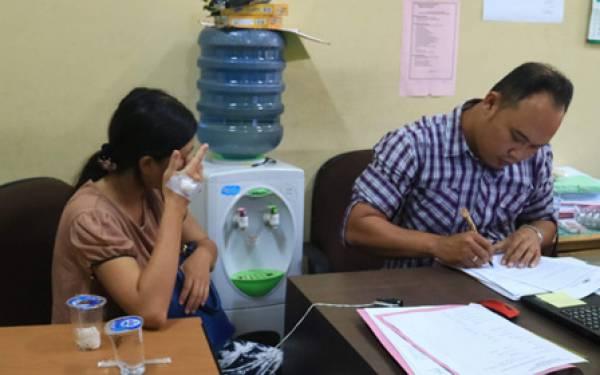 Ibu Muda Buang Bayi ke Tong Sampah, Ini Fotonya - JPNN.com