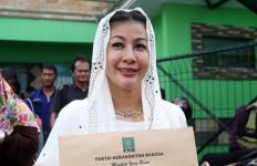 Wanita Emas Bilang Tak Ada yang Luar Biasa dari Incumbent - JPNN.com
