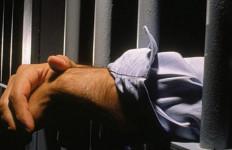 Polisi Tunggu Hasil Tes Urine Aktor RS - JPNN.com
