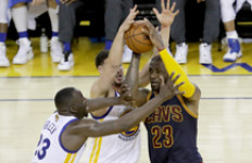 Libas Cavaliers, Warriors Unggul 2-0 di Final NBA - JPNN.com