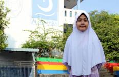 Siswi Peraih Nilai Tertinggi Ujian SD Itu Ingin Berprofesi Mulia Ini - JPNN.com