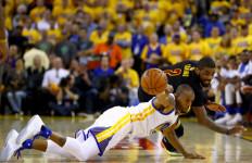 Belum Habis! Cavaliers Curi Game Kelima di Kandang Warriors - JPNN.com