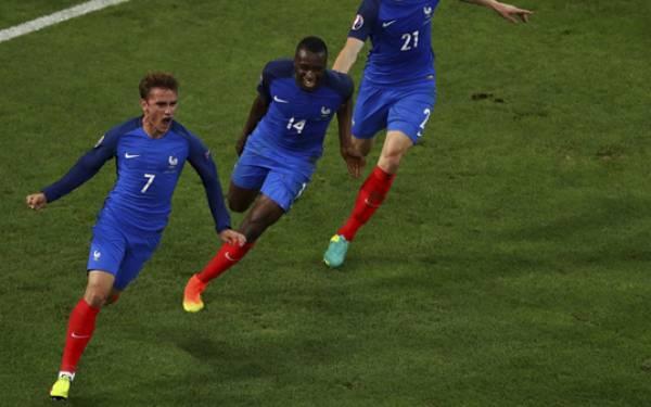 Lagi-lagi Gol Menit Akhir, Prancis Pastikan Lolos 16-Besar - JPNN.com