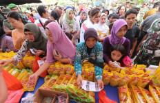 TNI Jual 5.000 Liter Minyak Goreng Murah - JPNN.com