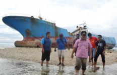 Cemari Pangandaran, Walhi Desak KKP Bertanggung Jawab - JPNN.com