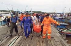 Kisah ABK Selamat Karena Pegangan Tangan di Laut Berjam-jam - JPNN.com