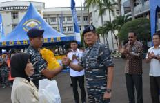 Jelang Lebaran, Koarmabar Gelar Pasar Murah - JPNN.com
