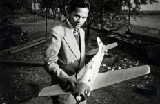 BJ Habibie, Tanpa Ambisi yang Penting Cari Solusi - JPNN.com