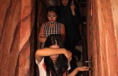 Cara Muncikari Mengelabui Polisi yang Manfaatkan Kamar di Wisma Dolly - JPNN.com