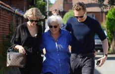 Pakai Jet Pribadi, Taylor Swift Sambangi Calon Mertua di Inggris - JPNN.com