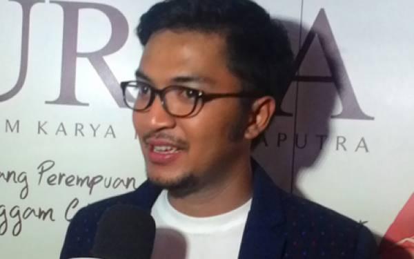 Ciyeee.. Ihsan Punya Sesuatu Bareng Denada - JPNN.com