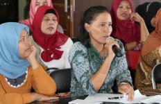 Pak Menteri, Guru Bantu di Daerah Ini Enam Bulan Belum Gajian - JPNN.com