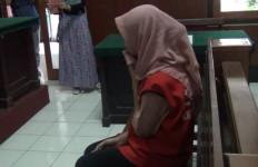 Gara-gara Curi BH, Ibu Ini Masuk Penjara - JPNN.com