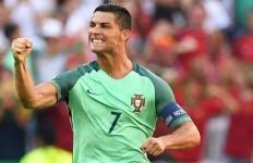 Cetak Satu Gol Lagi, Ronaldo Sejajar dengan Legenda Prancis - JPNN.com
