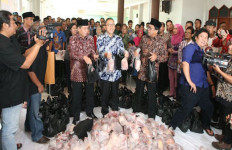 Pimpinan MPR dan DPR Kompak Jual Daging Murah - JPNN.com