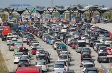 Duh! Tuntut Ganti Rugi, Puluhan Orang Blokir Tol Cipali - JPNN.com