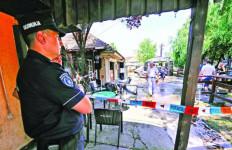 Suami Tembak Istri, Berondong Pengunjung Kafe, Darah Berceceran - JPNN.com