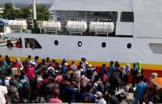 Dua Ribu TKI dari Malaysia Bakal Pulang ke Indonesia - JPNN.com