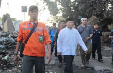 Wakil Ketua MPR Sambangi Korban Kebakaran - JPNN.com