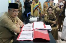 PNS Bolos Hari Pertama, Langsung dapat SP1 - JPNN.com
