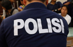 Tragis..Istri Polisi Tembak Kepala Sendiri Pakai Pistol Suami - JPNN.com