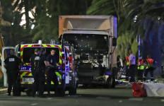 Serangan Truk di Prancis, Orang Terhantam, Terbang, 80 Korban Tewas - JPNN.com