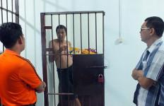 Warga Malaysia Punya E-KTP Indonesia, Ini Wajahnya - JPNN.com