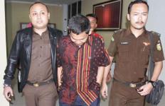 Lagi, Tiga Tersangka Korupsi Bansos Ditahan - JPNN.com