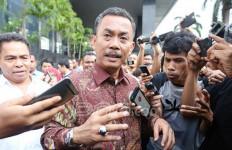 Beri Keterangan Berbeda, Prasetio Ditegur Jaksa - JPNN.com