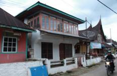 Suhardi Alius, Perantau yang Rajin Pulang Kampung, Keliling Desa - JPNN.com