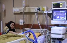 Kondisi Syaukani Masih seperti Ini, Rita Berharap Mukjizat - JPNN.com