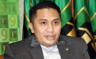 Mantan Wartawan Disumpah Jadi Anggota DPR - JPNN.com